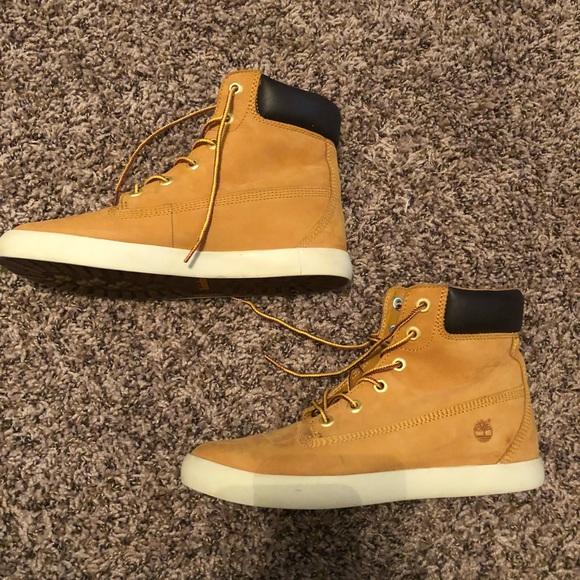 da19bea30156 Timberland Shoes - Size 8 women s timberland Flannery boots